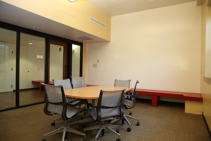 Study Room W Dry Erase Wall_0.JPG